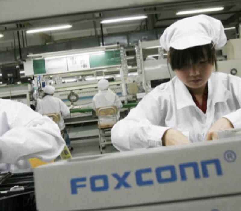 foxconn-employee