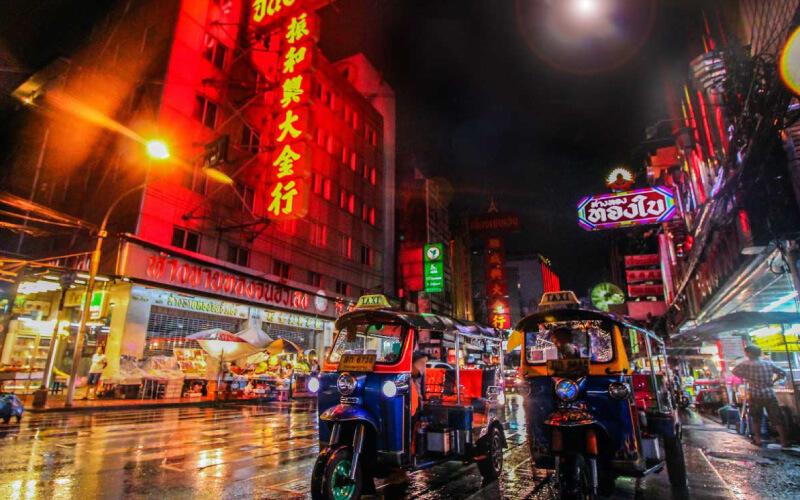 neon-sign-tuktuk